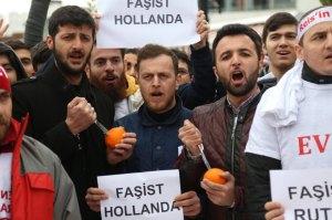 TŸrkei / Izmit / Protest / Orangen